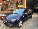 Foto Ford Focus 1.6i 16V cat 5p. Ghia